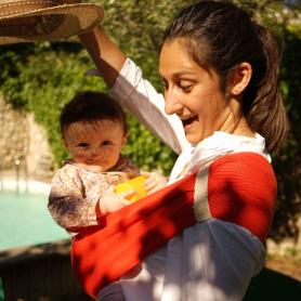 Porte-bébé d'appoint Hop'La Rouge Anemone de Neobulle