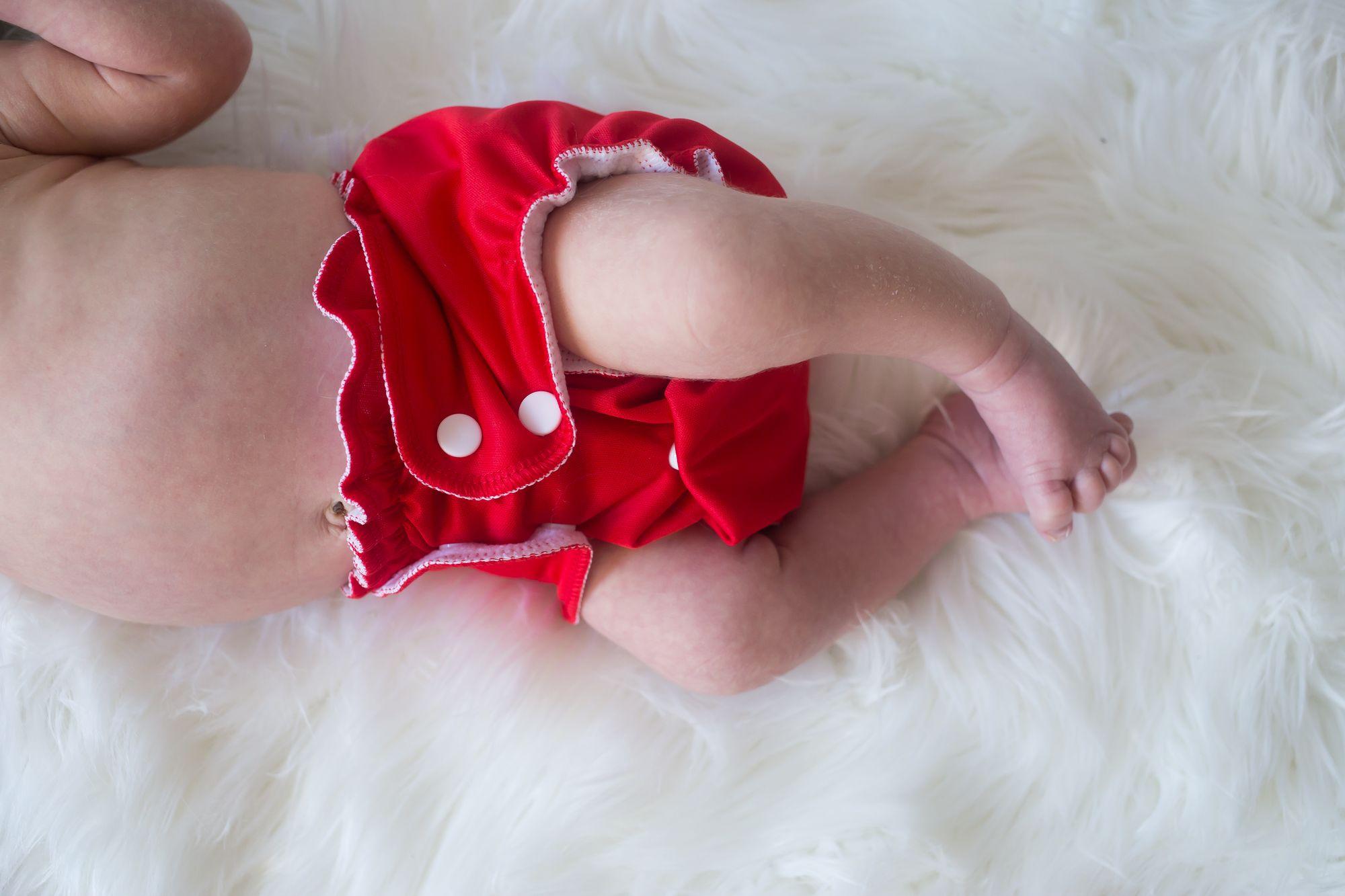 Une couche lavable rouge